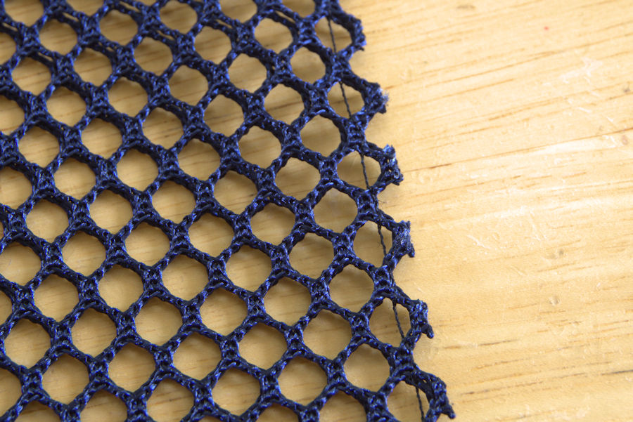 Raw mesh seam