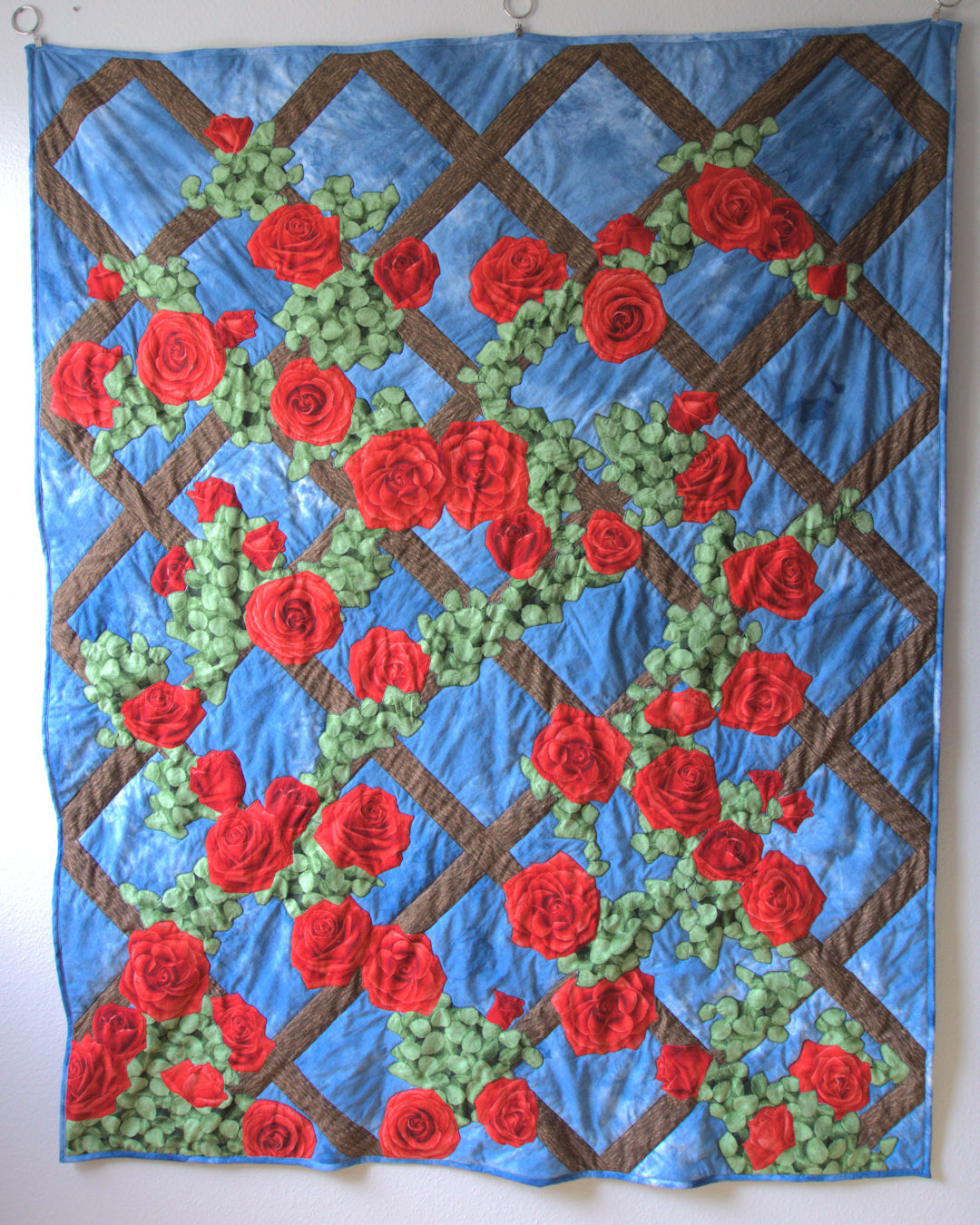 Rose trellis applique quilt