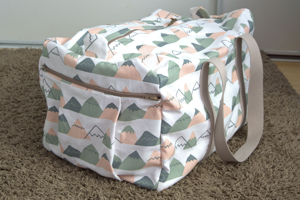 Simplicity 2274 Mountain Travel Bag