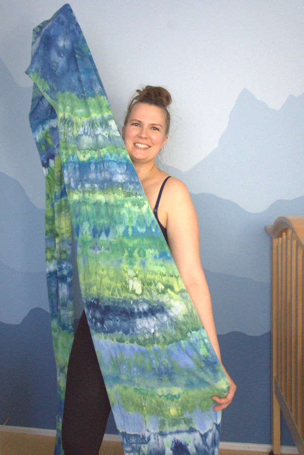 Blue green ice dyed jersey fabric used for baby wrap
