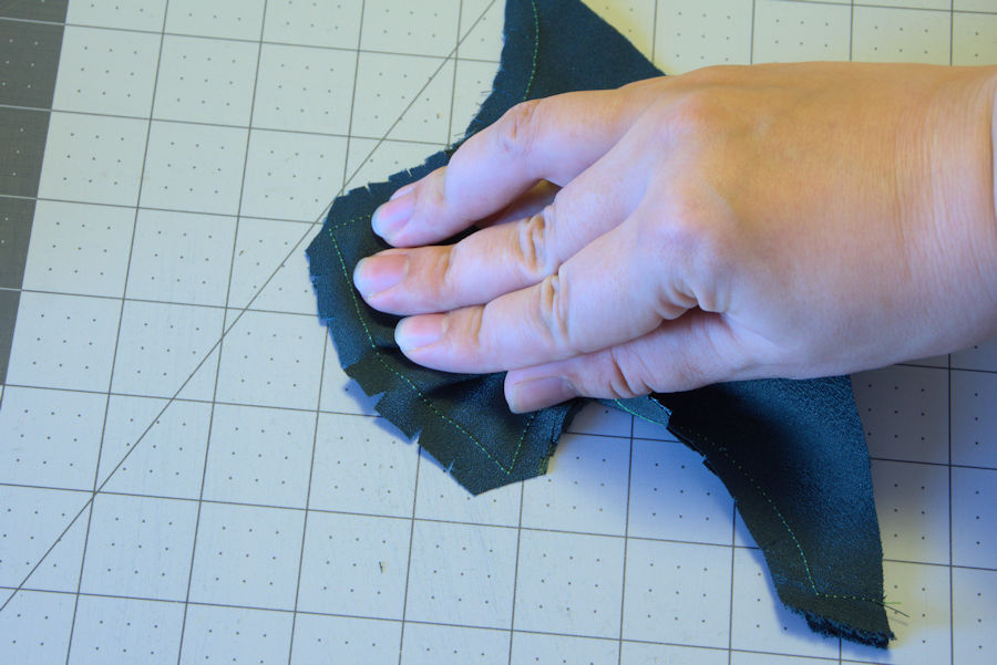 Notched and clipped seam allowance
