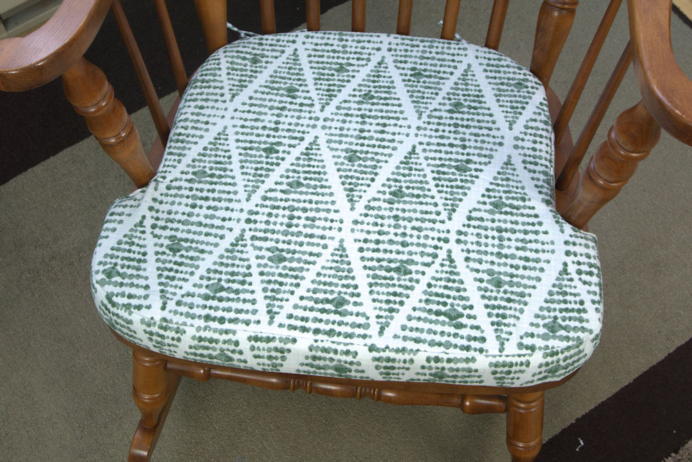 Green dot rocking chair cushion